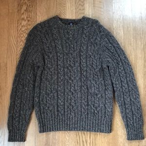 GAP cableknit 100% wool sweater size s-m